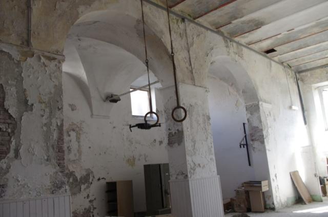 interno chiesa San Giacomo savona degrado abbandono rovinata