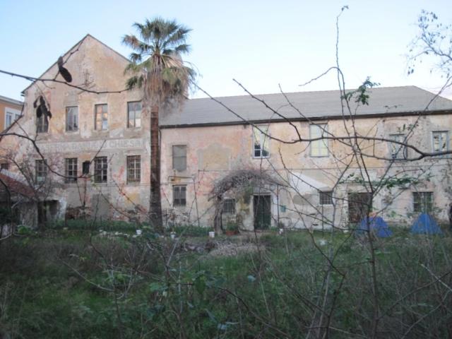 esterno chiesa San Giacomo savona degrado abbandono rovinata